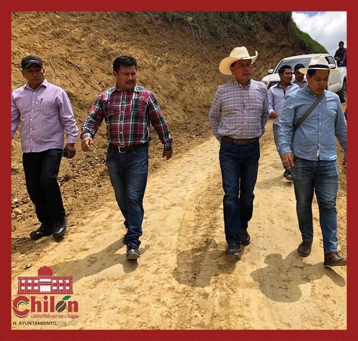 ALCALDE CARLOS JIMÉNEZ, BENEFICIA A COMUNIDADES CON MEJORAMIENTO DE VIVIENDAS Y CAMINOS